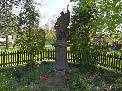 Socha sv. Václava ve Vojničkách